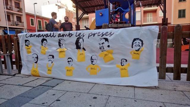 """""""Canavall amb les preses"""", rezaba la pancarta (Foto: Twitter)"""