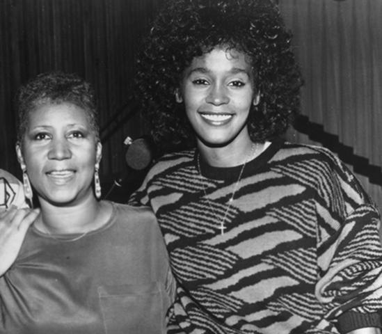 Franklin y su `ahijada´ Whitney Houston en 1989