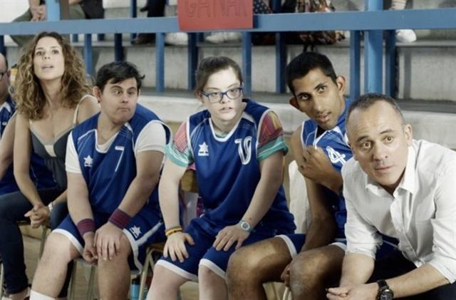 El actor Javier Gutierrez que en la película campeones representa el papel de un entrenador de baloncesto de un equipo muy especial