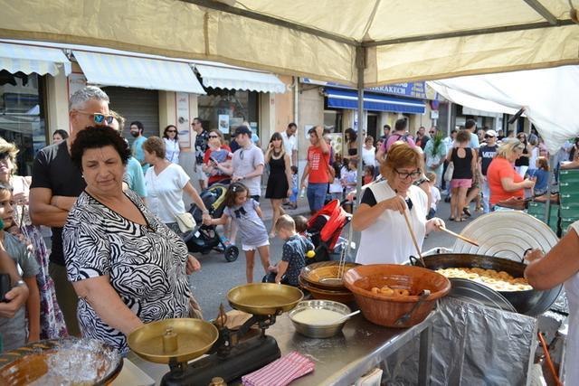Los asistentes han podido degustar típica gastronomía balear (Foto: Aj Manacor)