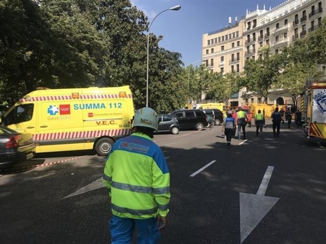 La zona del Ritz ha sido tomada literalmente por los servicios de emergencia, bomberos, policias y numerosas ambulancias (Foto: Facebook)