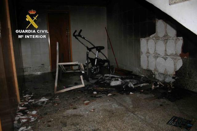 La vivienda, totalmente calcinada (Foto: Guardia Civil)