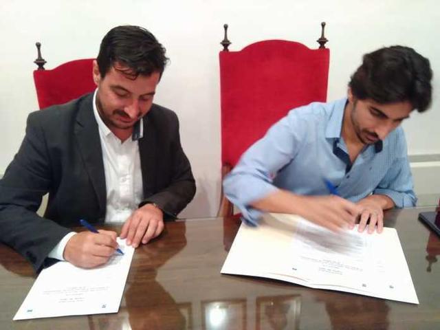 Imagen del histórico acuerdo (Foto: AJ Ses Salines)