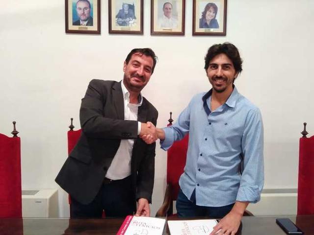 El alcalde, feliz por el acuerdo (Foto: Aj Ses Salines)