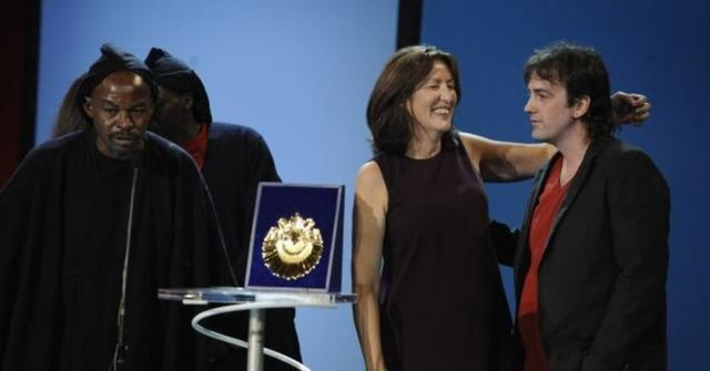 'Entre dos aguas', dirigida por Isaki Lacuesta ha sido la película galardonada con la Concha de Oro