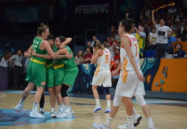 Las australianas celebrando la victoria