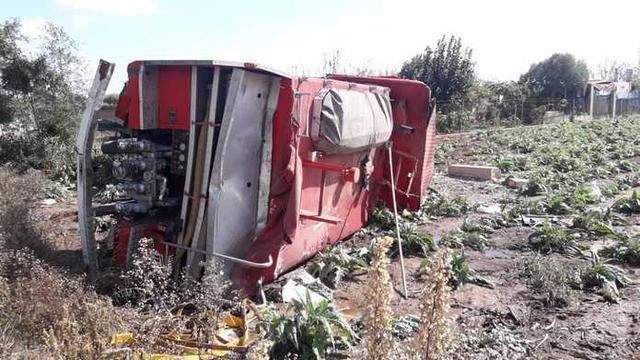 Los dos bomberos que iban en el interior del camión han resultado heridos (Foto: Consell de Mallorca)
