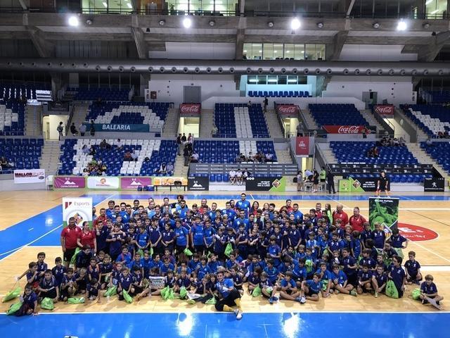 Se estrenó la 'Palma Futsal Experience' con 170 niños (Foto: Palma Futsal)