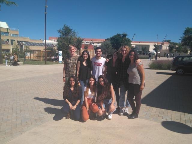 Foto de familia con los miembros de esta nueva asociación estudiantil (Foto: Canviem!)