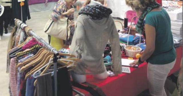 Los comerciantes sacan el stock para venderlo a muy buen precio (Foto: Ayto Ses Salines)