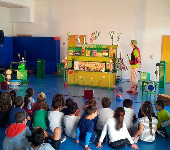 Las representaciones teatrales se celebran en los colegios que así lo soliciten (Foto: FIET)
