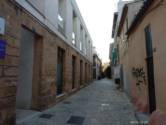 Más de un 50 % de las viviendas del barrio tienen un precio de venta entre 300.000 y 400.000 euros (Foto: María Jesús Almendáriz)