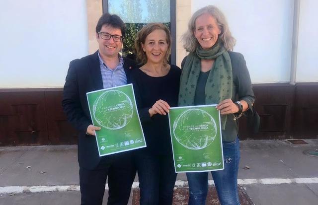 La regidora de Fires, Antonia Sabater; director general d 'Innovació i Recerca, Pep Lluís Pons, y la regidora d´Educació, Alice Weber, han presentado las novedades (Foto: Aj Inca)