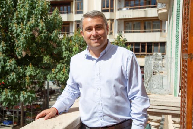 El alcalde Virgilio Moreno en el balcón del Ayuntamientio de Inca