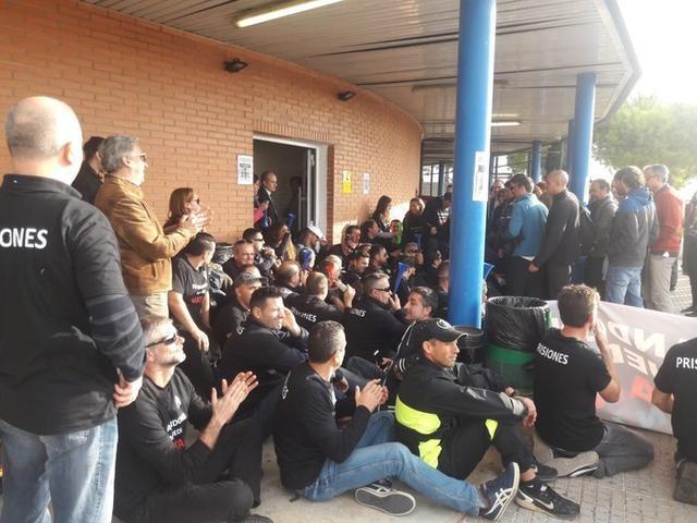 La huelga ha sido secundada por el cien por cien de los trabajadores (Foto: UGT)
