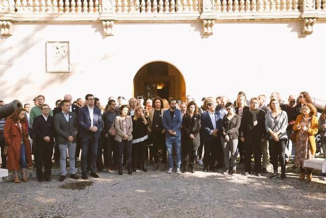 Más de 50 personas han asistido al acto convocado por el Govern (Foto: Twitter)