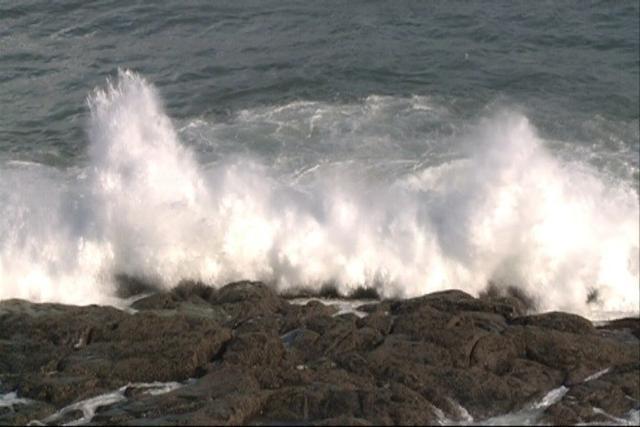 El viento ha provocado este lunes incidentes por toda la Isla, incluyendo tambien el área marítima