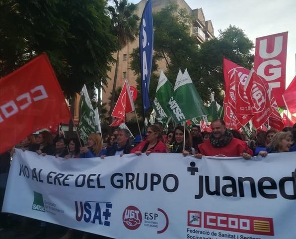 Unas 400 personas han acudido a la manifestación convocado por los sindicatos (Foto: Europa Press)