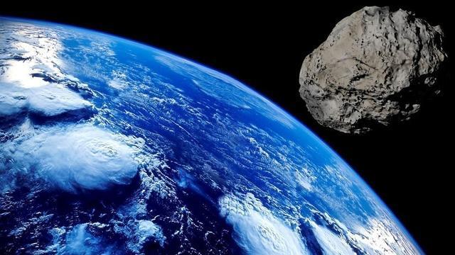 asteroide vesta monstruoso de grande