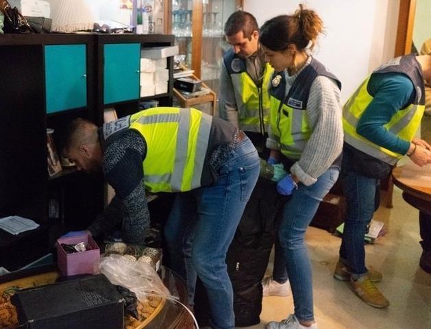 Obligaban a las mujeres a prostituirse durante 21 horas seguida a 24 euros el servicio (Foto: Policía Nacional)