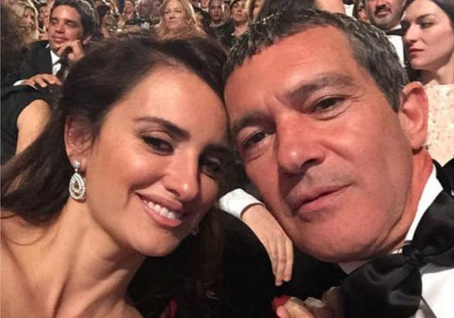 Penélope Cruz y Antonio Banderas durante una gala de los premios Goya