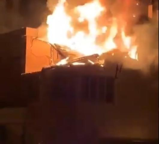Incendio en la calle Josep Tarongi del Coll d'en Rabassa