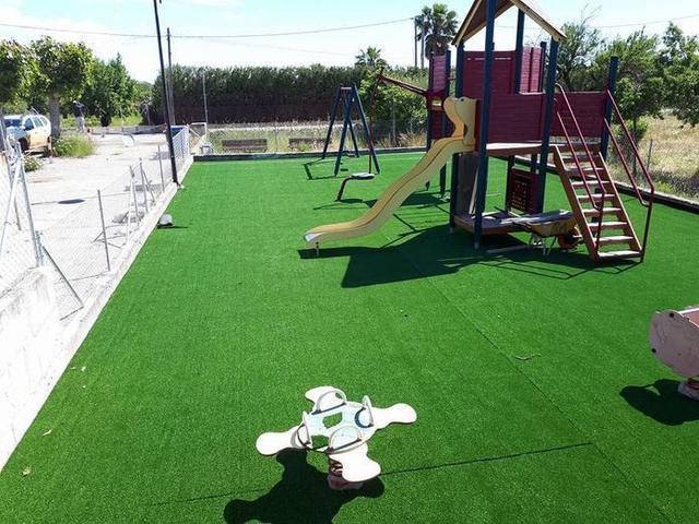 El parque infantil del polideportivo (Foto: Facebook)
