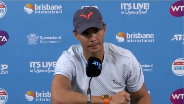 Rafa Nadal explicando por qué abandona el Torneo de Brisbane