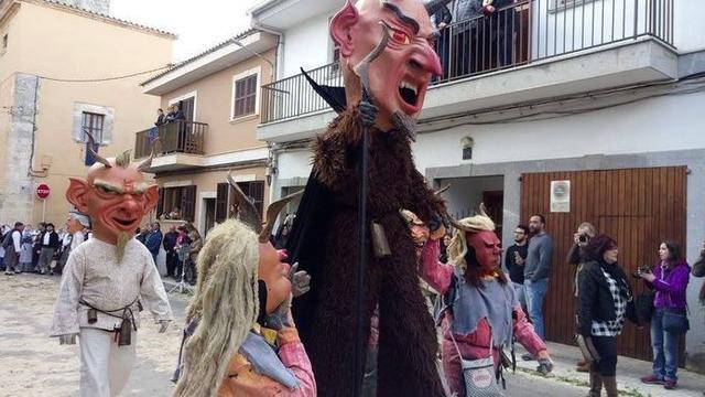 Los tradicionales Gegants y Dimonis no faltarán a la cita (Foto: Facebook)