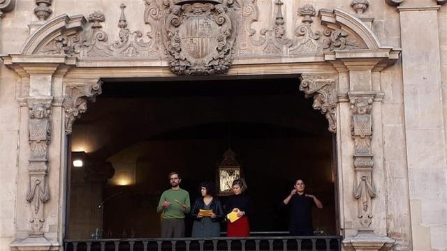 El pregón se ha llevado a cabo desde el balcón del Ajuntament (Foto: Cort)