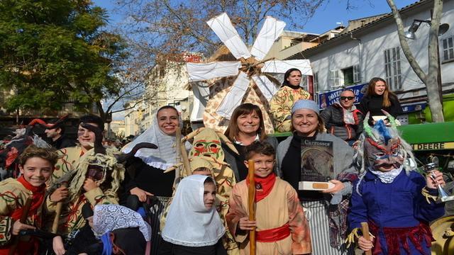 La alcaldesa Catalina Riera no se ha perdido la cita (Foto: Ayto Manacor)
