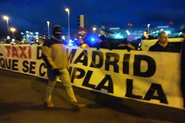 La huelga de los taxistas inicia este miércoles su tercera jornada (Foto: María Jesús Almendáriz)