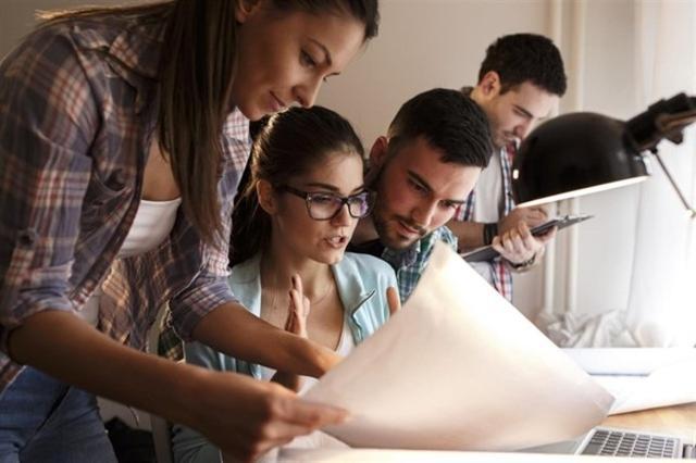 El número de jóvenes entre 19 y 29 años que ni estudian ni trabajan ha bajado en Baleares (Foto: Europa Press)