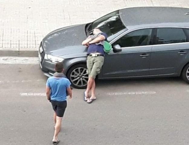 Los vecinos de la Playa de Palma se quejan de escenas como la de la imagen de jóvenes borrachos