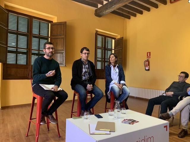 Ferrer, Negueruela y Garví durante el encuentro socialista de esta mañana (Foto: PSIB-PSOE)