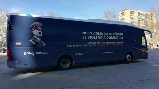 El polémico vehículo de HazteOir (Foto: Valores en Baleares)