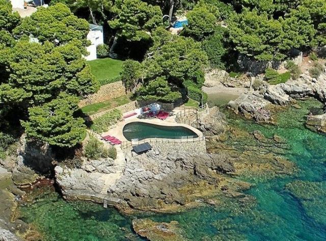 Vista aérea de la casa de Aghata Ruíz de la Prada que antes la diseñadora compartía con Pedro J. Ramírez