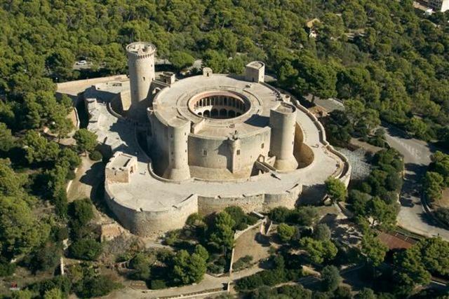 El Castillo de Bellver es el segundo monumento más visitado de Baleares, con cerca de medio millón de personas al año