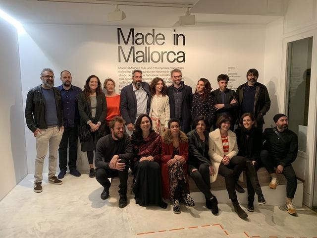 Foto de familia en la que aparecen los responsables del exitoso proyecto (Foto: Institut D´ Innovació)