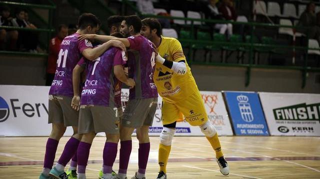 Los palmesanos celebrando uno de sus cuatro tantos (Foto: Palma Futsal)