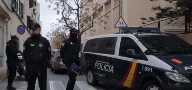 En la operación han participado agentes de la Policía Nacional y Local de Palma