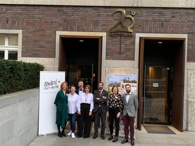 El encuentro se ha llevado a cabo en el restaurante de la chef mallorquina Maca de Castro en Düsseldorf (Foto: EP)