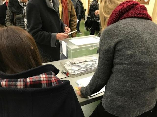 Los referéndums se celebrarán sin censo y habrá que mostrar el DNI para poder participar