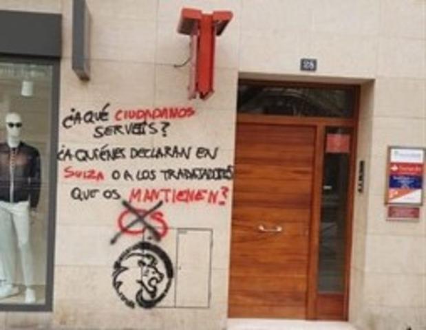 La sede de Ciudadanos en Palma ha aparecido este domingo con una pintada (Foto: Cs Palma)