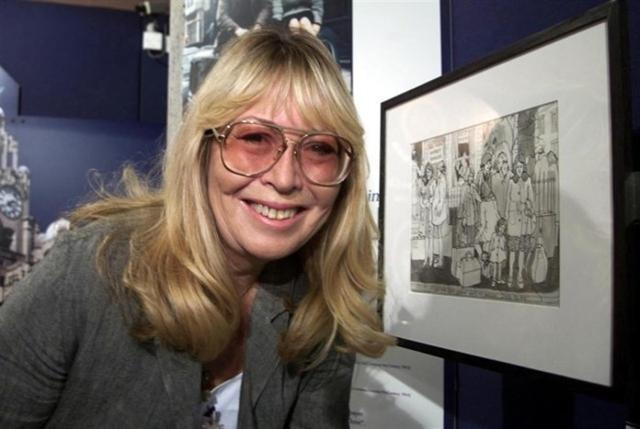 A principios de los ochenta, Cynthia Powell cambió oficialmente su apellido a Lennon para ganarse la vida como diseñadora, presentadora de televisión y otros trabajos fugaces