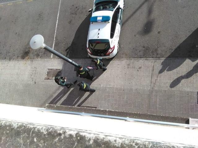 La Guardia Civil ha llegado a la vivienda tres horas antes del lanzamiento (Foto: Stop Desnonaments)