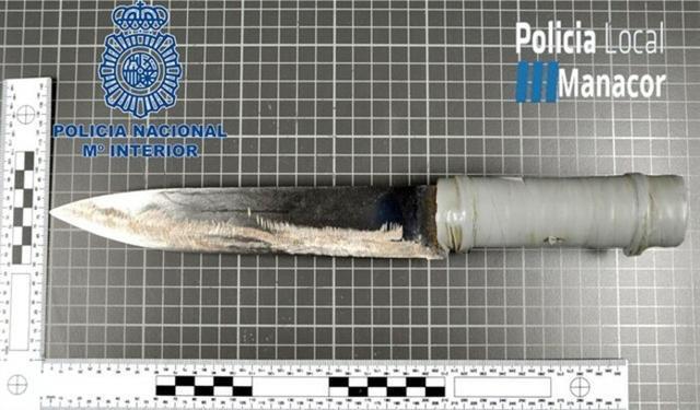 Cuchillo utilizado por el agresor (Foto: Policía Local Manacor)