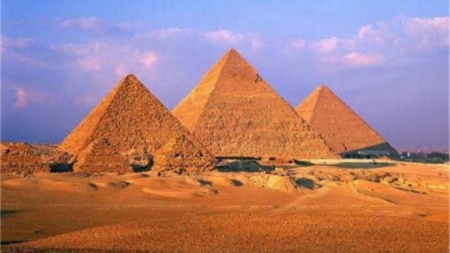 Pirámides de Guiza, en El Cairo (Egipto)