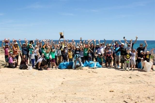 Cerca de 70 personas participaron en la limpieza (Foto: Gob Mallorca)