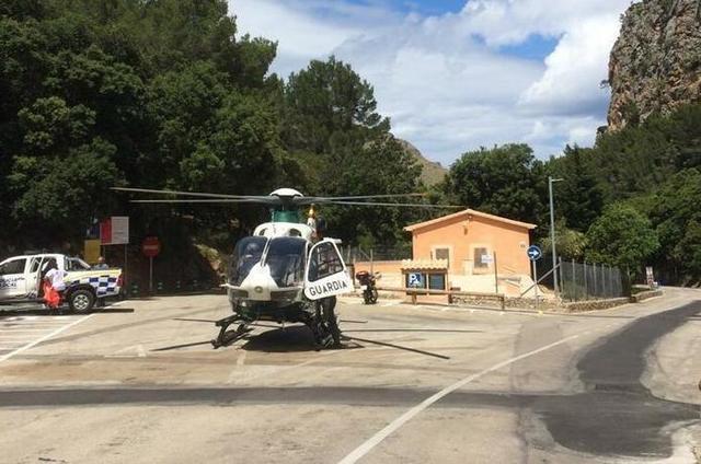 Un helicóptero de la Guardia Civil ha trasladado al pequeño a Son Espases (Foto: Twitter)